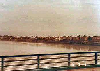 Jembatan melintasi S. Euphrat